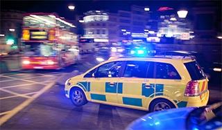 Emergency-vehicle-in-London-320px-wide.jpg